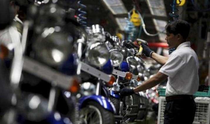 Bajaj Auto का चौथी तिमाही में शुद्ध लाभ 15 प्रतिशत घटा, BS-IV की वजह से बढ़ी लागत- IndiaTV Paisa