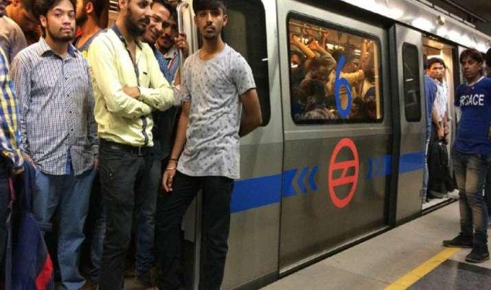 8 साल के बाद बढ़ा दिल्ली मेट्रो का किराया, बुधवार से नए टिकट के दाम 10 से 50 रुपए तक होंगे- IndiaTV Paisa