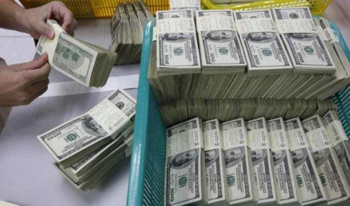 रुपए की मजबूती थामने के लिए रिजर्व बैंक ने मार्च में खरीदें 3.53 अरब डॉलर, लेकिन नहीं दिखा असर- IndiaTV Paisa