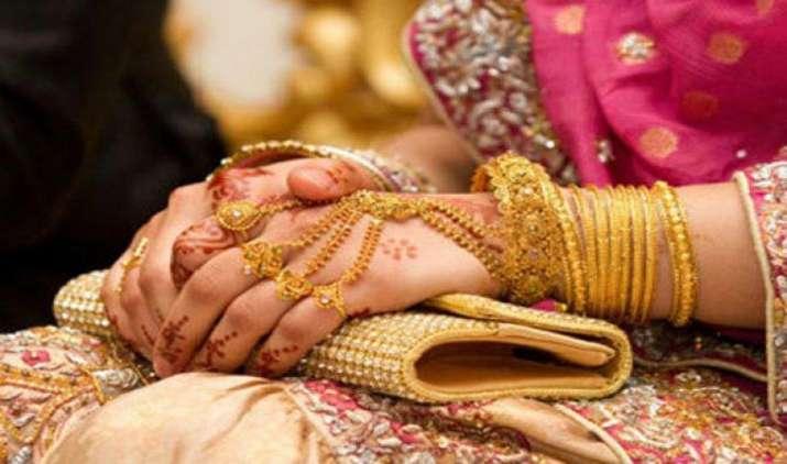 Weekly Wrap-up: सोना 7 दिन में 825 रुपए हुआ सस्ता, चांदी की कीमतों में 1650 रुपए की भारी गिरावट- IndiaTV Paisa