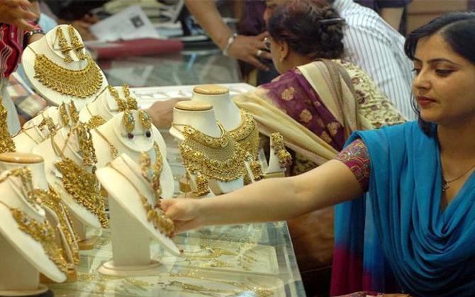 जेम्स एंड ज्वैलरी निर्यात इस साल 42 अरब डॉलर तक पहुंचने का अनुमान, मध्यपूर्व देशों से बढ़ी डिमांड- IndiaTV Paisa