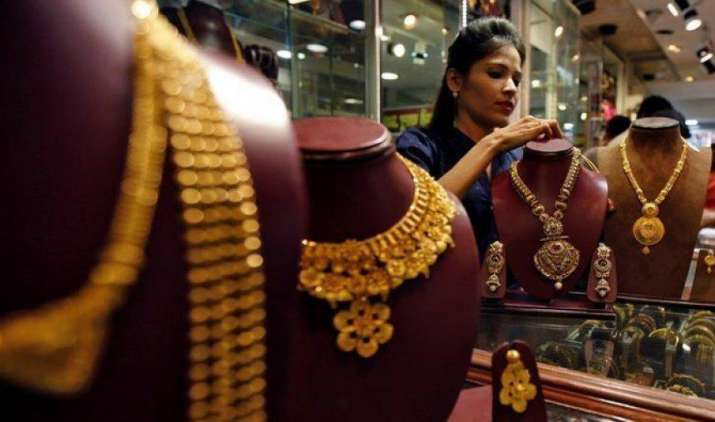 लगातार तीसरे दिन सस्ता हुआ सोना, भाव 55 रुपए गिरकर 29370 रुपए प्रति दस ग्राम- IndiaTV Paisa