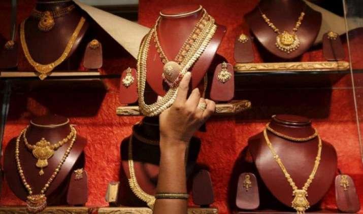 सोने पर दो प्रतिशत विशेष जीएसटी लगाने के पक्ष में सर्राफा कारोबारी, ऊंची दर से कारोबार पर पड़ेगा असर- India TV Paisa