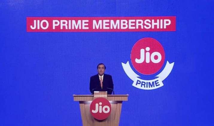 UBS Report: Jio की प्राइम योजना से नहीं बढ़ रही मांग, मार्च में पुरानी कंपनियों को हुआ लाभ- IndiaTV Paisa