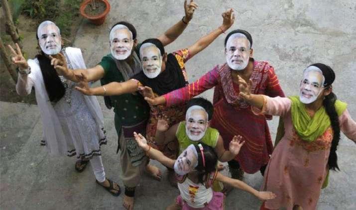मोदी सरकार की तीसरी सालगिरह पर बाजार ने मनाया जश्न, इन कारणों से सेंसेक्स-निफ्टी ऐतिहासिक स्तर पर बंद- India TV Paisa