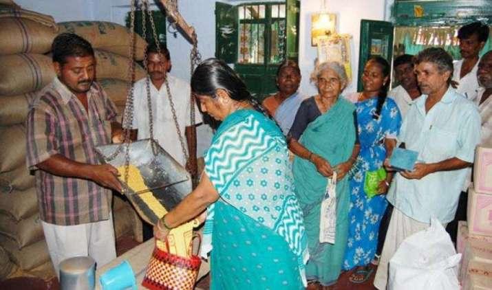 राशन की दुकान पर दो, तीन रुपए किलो बिकने वाले गेहूं की वास्तविक लागत 24 रुपए और चावल की 32 रुपए किलो- IndiaTV Paisa