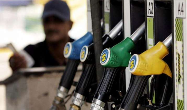 देश के पांच शहरों में रोजाना बदल रहे हैं पेट्रोल-डीजल के दाम, चार दिनों से कीमतों में गिरावट जारी- IndiaTV Paisa