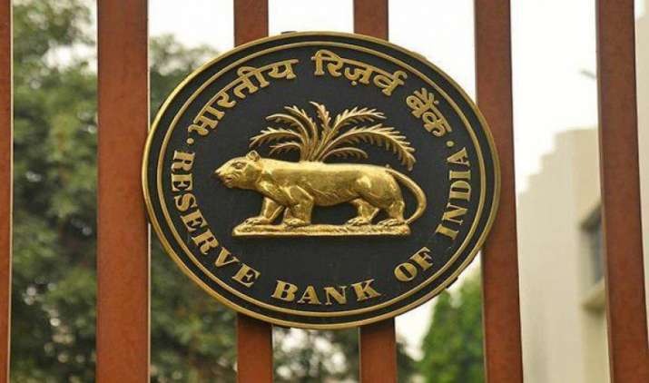 नोटबंदी से जुड़ी समस्याओं की शिकायत पर बैंक ओम्बुड्समैन नहीं करेगा विचार, RBI ने नहीं बताया कितने लोगों ने की कंप्लेन- India TV Paisa