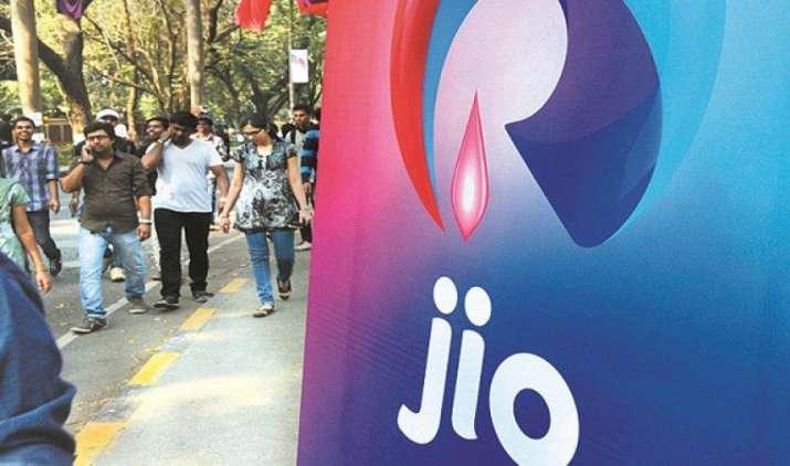 बड़ी टेलिकॉम कंपनियों की बाजार हिस्सेदारी पर जियो ने किया कब्जा, TRAI के आंकड़ों से हुआ खुलासा- IndiaTV Paisa