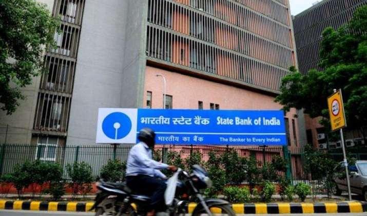FPO, QIP के जरिए धन जुटाएगा SBI, इश्यू मैनेजमेंट के लिए बैंक ने मर्चेंट बैंकरों से मंगाए आवेदन- IndiaTV Paisa