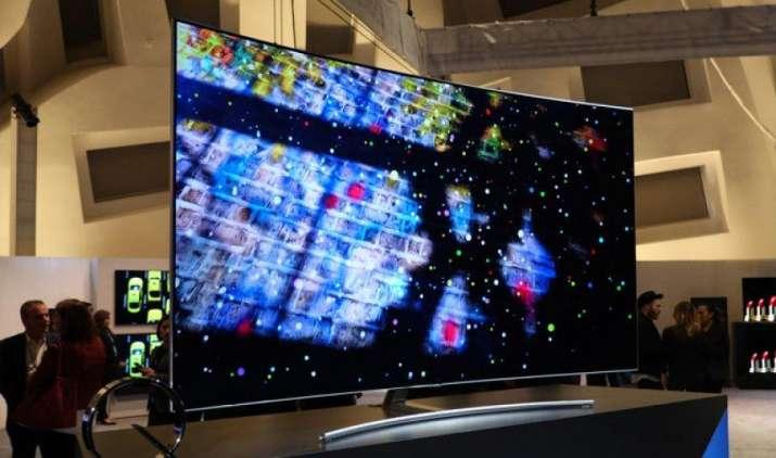 Samsung ने भारत में लॉन्च किया करीब 25 लाख रुपए का TV, प्री-बुकिंग पर फ्री मिलेगा Galaxy S8+- IndiaTV Paisa