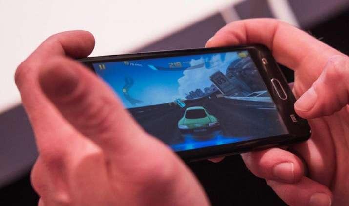 आज से शुरू हुई Samsung Z4 स्मार्टफोन की बिक्री, टाइजन OS पर चलने वाले इस हैंडसेट की कीमत है 5,790 रुपए- IndiaTV Paisa