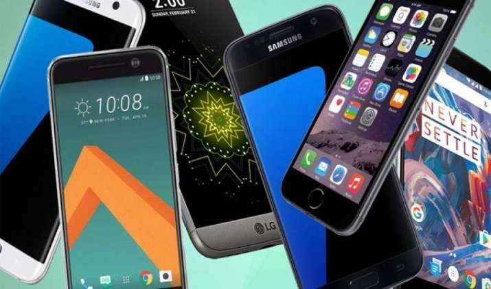 नोटबंदी के प्रभाव से उबरा भारत का स्मार्टफोन बाजार, बिक्री के मामले में Samsung पहले तो Xiaomi दूसरे स्थान पर- IndiaTV Paisa