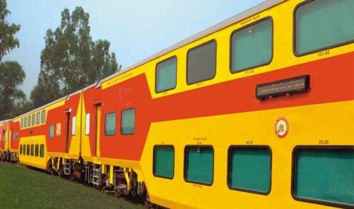 तेजस के बाद अब आएगी डबल डेकर AC ट्रेन उदय एक्सप्रेस, कम किराए के साथ मिलेंगी ये सुविधाएं- India TV Paisa