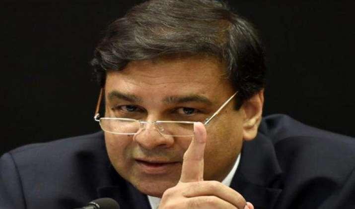 RBI गवर्नर ने GST के फायदे गिनातें हुए कहा- इससे एक राष्ट्रीय बाजार बनाने में मिलेगी मदद, घटेगा टैक्स बोझ- India TV Paisa