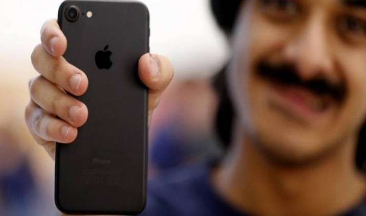 Q1 में दुनिया का सबसे ज्यादा बिकने वाला स्मार्टफोन बना Apple iPhone 7, 3 महीने में बिके 2.15 करोड़ फोन- India TV Paisa