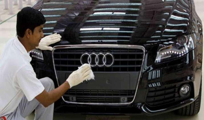 मर्सिडीज के बाद अब ऑडी ने भी अपनी कारों के दाम घटाए, 10 लाख रुपए तक की कटौती- IndiaTV Paisa