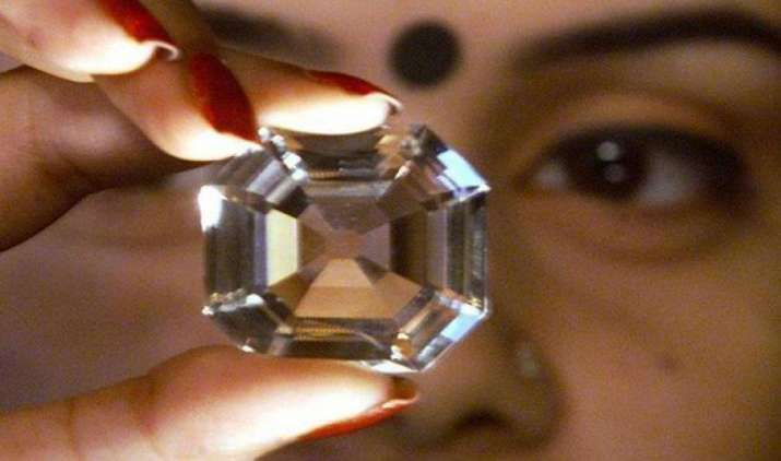 भारत से चीन को होने वाले हीरे और रत्नों के निर्यात में आई भारी वृद्धि, FY17 में 2.48 अरब डॉलर का एक्सपोर्ट- IndiaTV Paisa