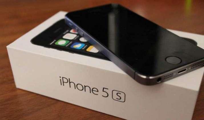iPhone 5S को 15,000 रुपए में बेचेगी Apple, एंड्रॉयड बनाने वाली दिग्गज कंपनियों को देगी टक्कर- IndiaTV Paisa