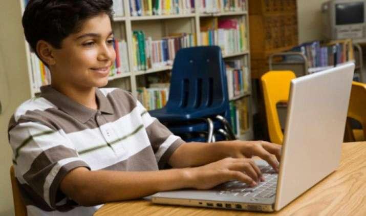 भारत में 99 प्रतिशत शहरी बच्चे करते हैं इंटरनेट का इस्तेमाल, साइबर अपराधियों के जाल में फंसने का यह है कारण- IndiaTV Paisa