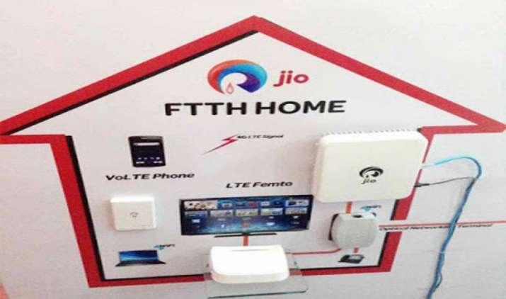 Reliance Jio ने फिर की टेलीकॉम इंडस्ट्री को हिलाने की तैयारी, इन शहरों में शुरू हुआ JioFiber का 'Preview Offer'- IndiaTV Paisa