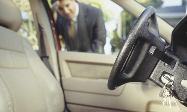 open car door with mobile- India TV