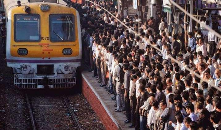 मुंबई है दुनिया का दूसरा सबसे ज्यादा भीड़भाड़ वाला शहर, ढाका है पहले पायदान पर- IndiaTV Paisa