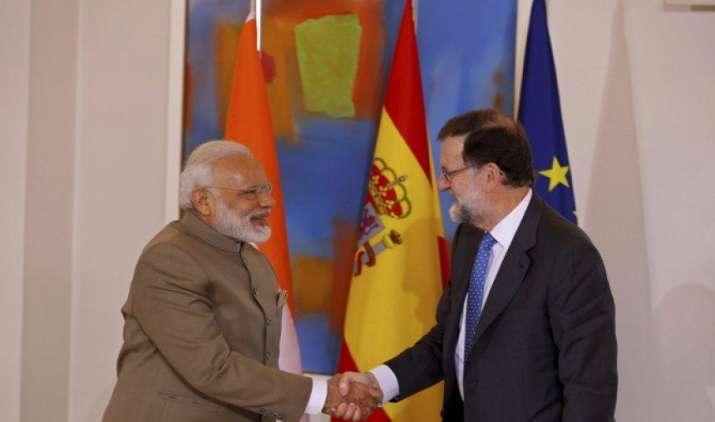मोदी ने दिया स्पेन की कंपनियों को भारत में निवेश का न्योता, सात समझौतों पर किए हस्ताक्षर- India TV Paisa