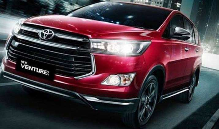 टोयोटा की गाड़ियां हुई महंगी, टैक्स बढ़ने की वजह से चुनिंदा मॉडल 1.6 लाख रुपये महंगे- India TV Paisa