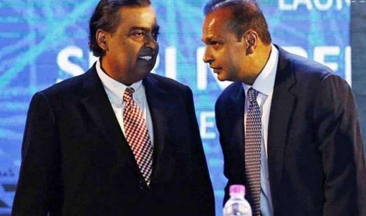 अनिल अंबानी ने बड़े भाई मुकेश अंबानी के बारे में कहा- भाई के साथ अच्छे हैं रिश्ते- India TV Paisa