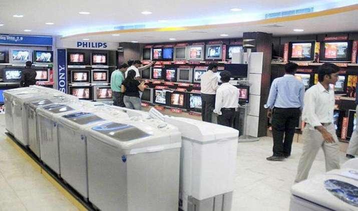 फ्रिज, TV, AC और वाशिंग मशीन पर मिल रहा है भारी डिस्काउंट, 20 से 40 फीसदी कम रेट पर बेच रहे हैं रिटेलर्स- India TV Paisa