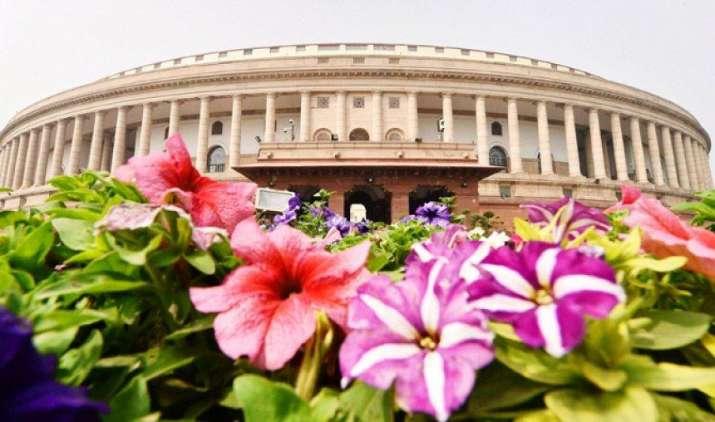GST Launch: अब से कुूछ देर में लागू होगा देश में नया टैक्स कानून, संसद के सेंट्रल हॉल में आयोजित होगा कार्यक्रम- India TV Paisa
