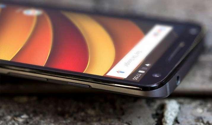 Moto X Force पर मिल रही है 22,400 रुपए तक की छूट, 21MP कैमरे और AMOLED डिसप्ले से है लैस- IndiaTV Paisa
