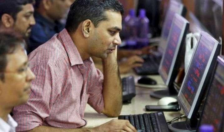 आखिरी एक घंटे में लौटी खरीदारी से शेयर बाजार को मिला सहारा, सेंसेक्स 64 अंक बढ़कर बंद- India TV Paisa