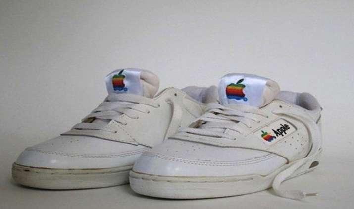 iPhone से भी महंगे हैं Apple ब्रांड के जूते, आज से 15,000 डॉलर के दाम पर शुरू होगी बिक्री- India TV Paisa