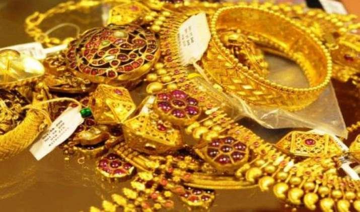 100 रुपए घटकर 29,000 रुपए/10 ग्राम हुआ सोना, चांदी 38,700 रुपए/किलोग्राम पर स्थिर- IndiaTV Paisa