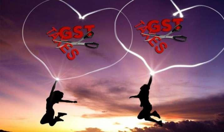 राजस्व सचिव हसमुख अधिया ने कहा, दो महीने में हो जाएगा निर्यातकों का लंबित GST रिफंड- India TV Paisa