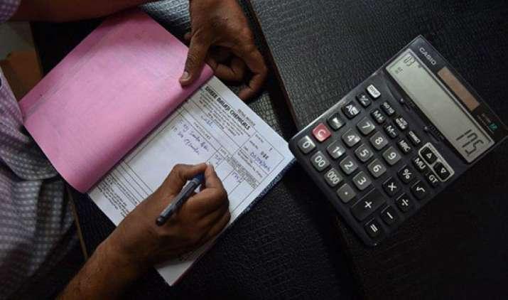 रिटेल कारोबारियों को हर महीने एक ही बार फाइल करना होगा GST रिटर्न, सरकार ने कहा अफवाहों पर न दें ध्यान- India TV Paisa