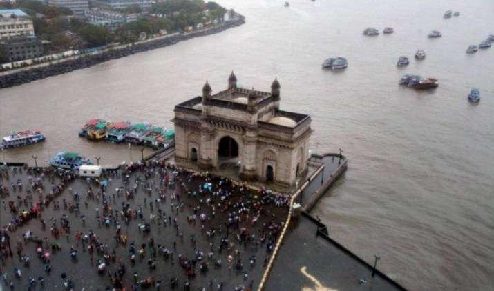 #Monsoon2017 : मुंबई में शुरू हुई मानसूनी बारिश, IMD के अनुसार जल्द ही उत्तर भारत में भी बरसेंगे बादल- India TV Paisa
