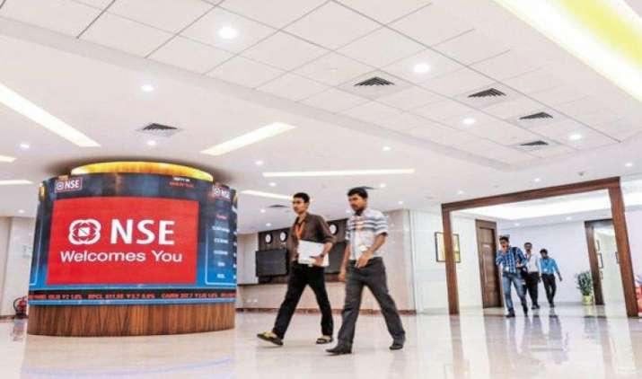 10,000 का रिकॉर्ड स्तर छूने के बाद निफ्टी-50 9,964 अंक पर हुआ बंद, सेंसेक्स 17.60 अंक लुढ़का- IndiaTV Paisa