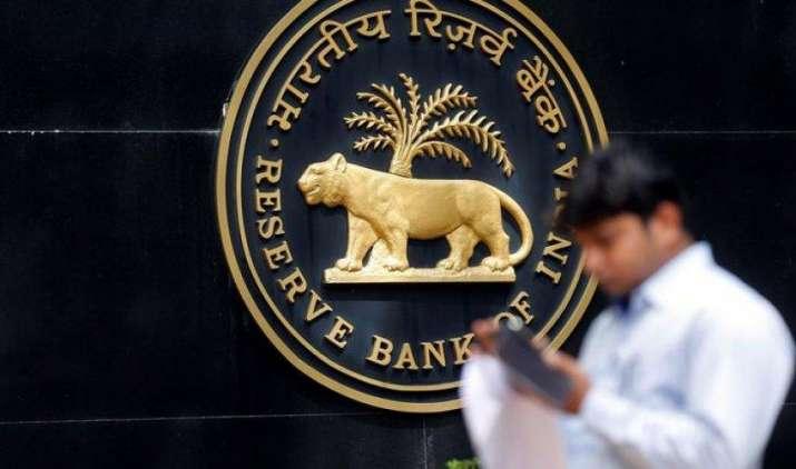 नए साल से पहले कार लोन सस्ता होने की उम्मीद बढ़ी, BofAML के मुताबिक RBI घटा सकता है दरें- India TV Paisa