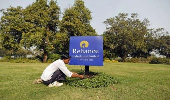 12 साल बाद RIL ने की शेयरधारकों को बोनस शेयर देने की घोषणा, बालाजी टेलीफिल्म्स में खरीदेगी 25% हिस्सेदारी- IndiaTV Paisa