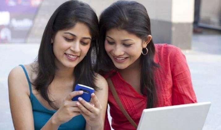 अब 3 करोड़ स्टूडेंट्स को फ्री Wi-Fi देने की तैयारी में है रिलायंस जियो, HRD मिनिस्ट्री के सामने रखा प्रस्ताव- India TV Paisa