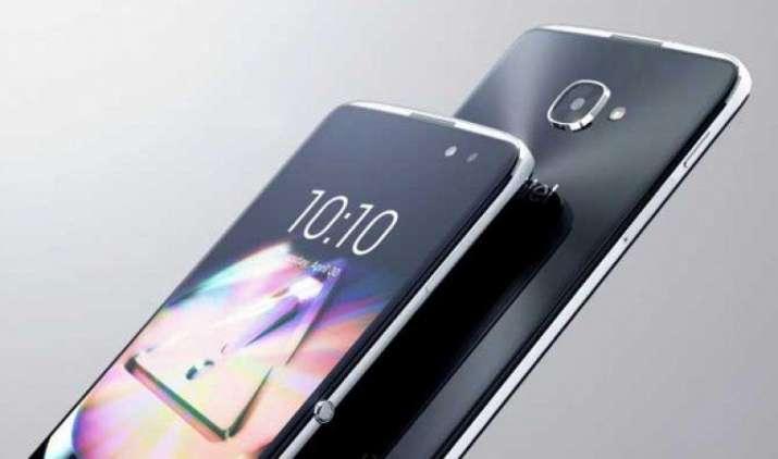 अल्काटेल ने विंडोज 10 ऑपरेटिंग सिस्टम के साथ पेश किया Idol 4 Pro स्मार्टफोन, ये हैं खासियतें- IndiaTV Paisa