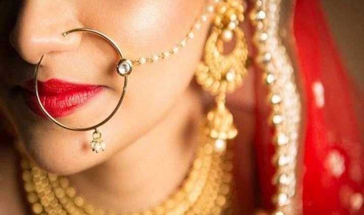 सोने का भाव हुआ 3 हफ्ते में सबसे महंगा, लेकिन चांदी की कीमतों में आई गिरावट- IndiaTV Paisa