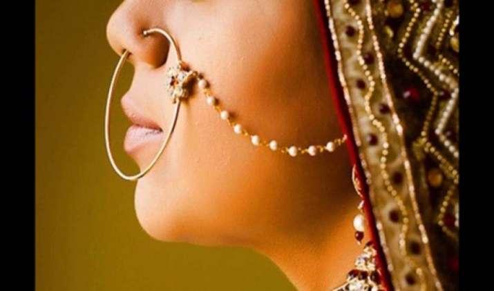 GST से पहले 3 गुना बढ़ गया सोने का आयात, ज्वैलर्स की भारी खरीद से जून में हुआ 75 टन इंपोर्ट- India TV Paisa