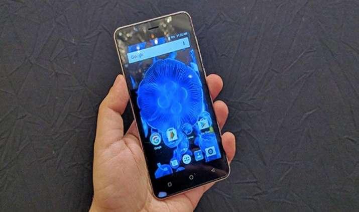 कार्बन ने लॉन्च किया के9 कवच 4जी स्मार्टफोन, भीम एप इंटीग्रेट करने वाला पहला भारतीय फोन बना- IndiaTV Paisa