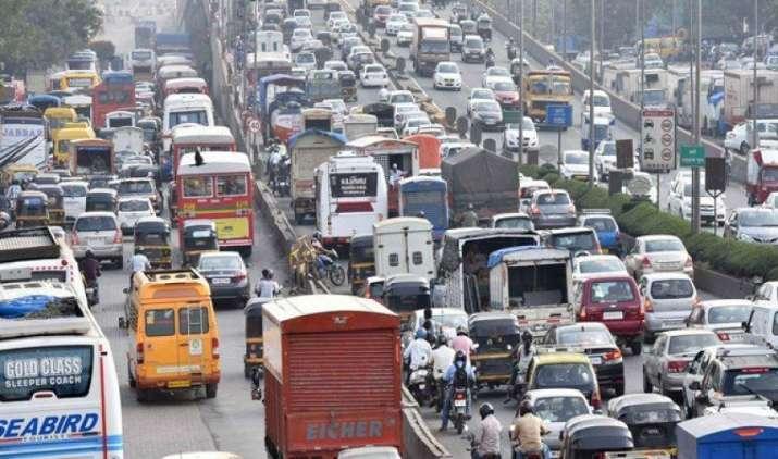 GST के बाद सस्ती होने वाली कारों को फिर से महंगा करने की तैयारी, महाराष्ट्र ने वन टाईम रजिस्ट्रेशन फीस बढ़ाई- IndiaTV Paisa