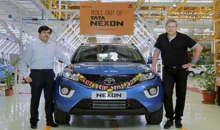 टाटा मोटर्स के रंजनगांव प्लांट से रवाना हुई पहली Nexon एसयूवी, जल्द होगी बाजार में लॉन्च- India TV Paisa