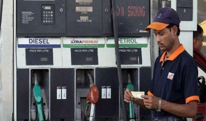 जुलाई में पेट्रोल हुआ 1.21 रुपए प्रति लीटर महंगा, डीजल के दाम में भी हुई 1.62 रुपए की वृद्धि- India TV Paisa